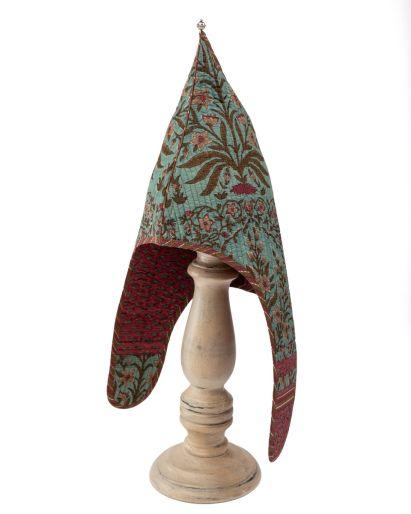 Lama Hat (Golcunda Mandir / Red Lips) (2-4 Years)
