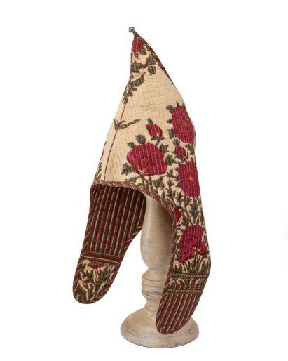 Lama Hat (Pavot on Cream / Red Green Stripes ) ( 6 -8 ) Years