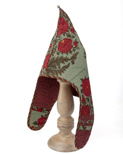 Lama Hat (Green Gud Pavot / Red Lips) / Red Green Piping) ( 6 -8 ) Years