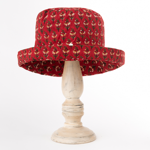 Mama Hat (Alice On Red)
